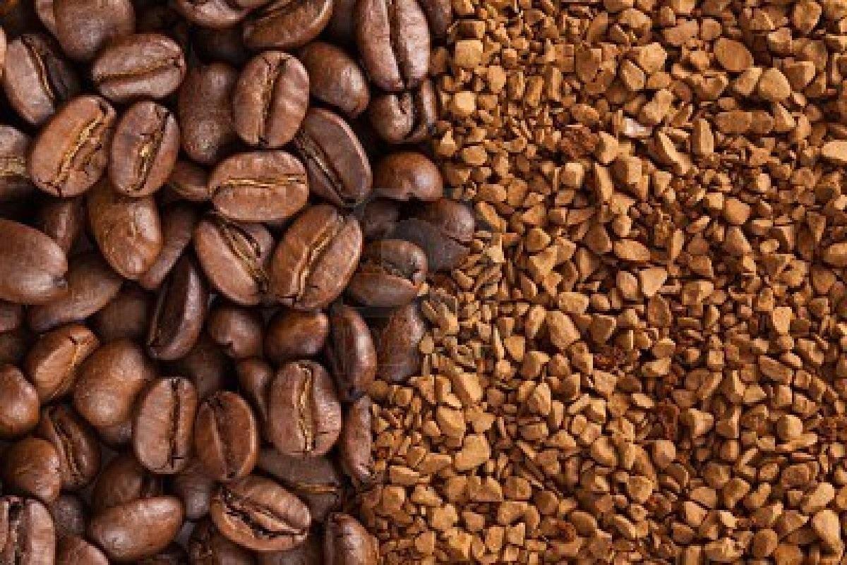 polvere e grani di caffé