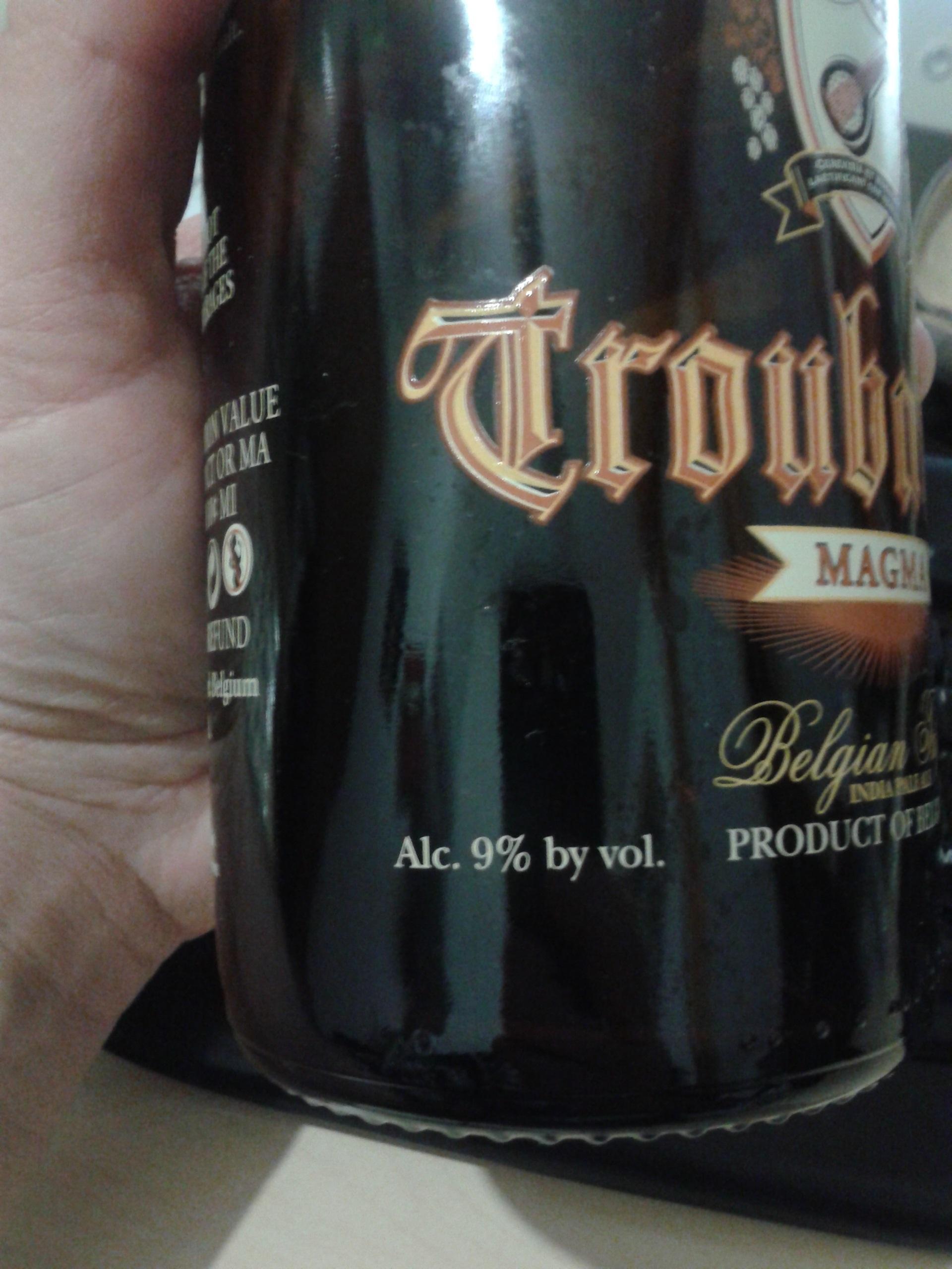 Il titolo alcolometrico é chiaramente leggibile su questa bottiglia di birra Troubadour belga.